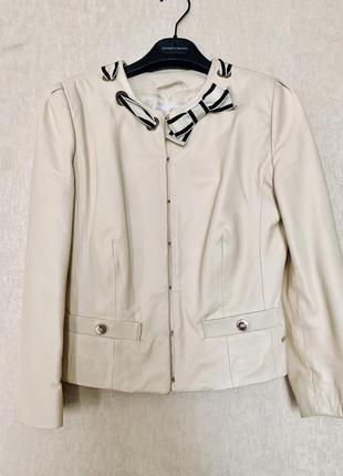 Кожаный пиджак извечного бренда