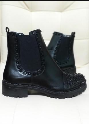 Высокие ботинки дезерты с шипами