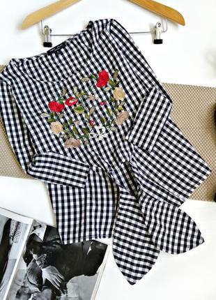 Красивая качествення хлопковая блуза рубашка в клетку с вышивкой