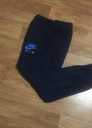 Суперовые утепленные спортивные штаны (треники, спортивки) от nike air