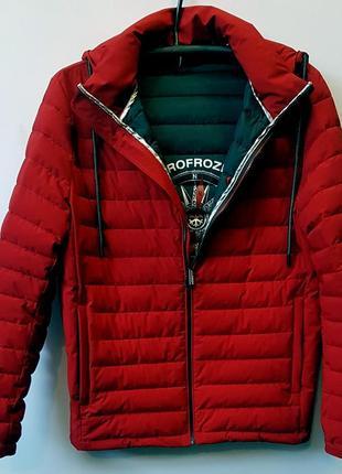 Мужская красная короткая куртка zero frozen