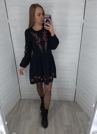 Платье с вышивкой miss selfridge