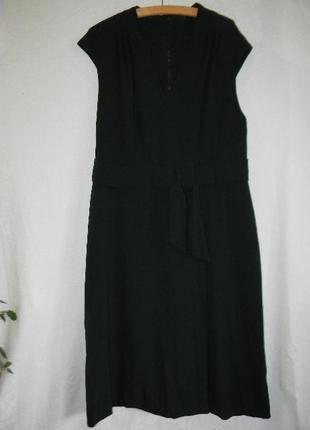 Элегантное платье большого размера с утяжкой