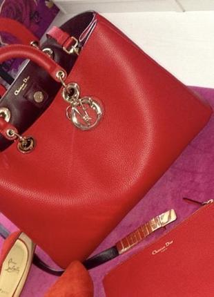 Сумка брендовая большая, красного цвета, кожаная в люкс качестве