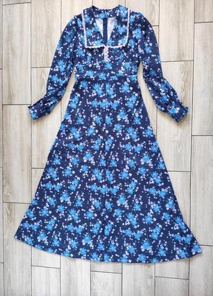 Очаровательное платье в стиле ретро