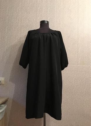Платье свободного кроя с красивой спинкой