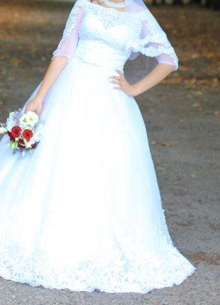 Свадебное платье 👗+ в подарок белые туфли 👠 размер 38-39