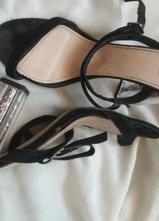 Босоножки missguided на прозрачном каблуке