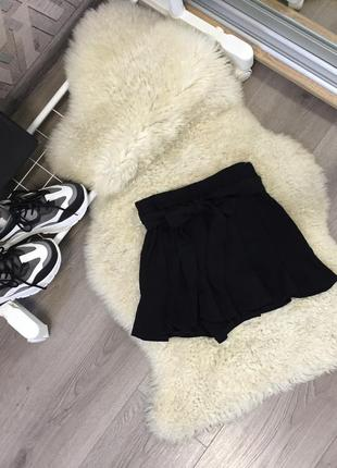 Очень стильные шорты zara xs