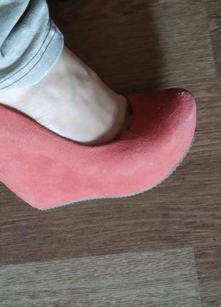 Фирменные замшевые туфли
