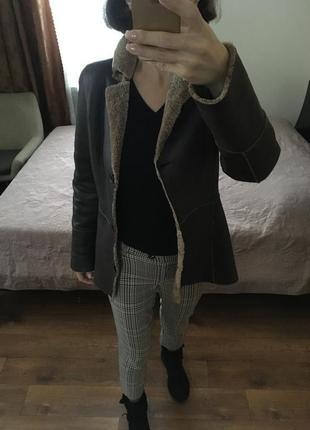 Короткая стриженная куртка дубленка автоледи