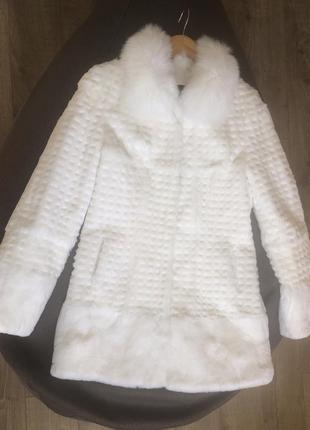 Новая белоснежная шуба кролик