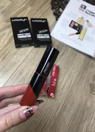 Шикарний  блиск для губ  shiseido laсquer lip gloss rd 305  з ефектом сяяння