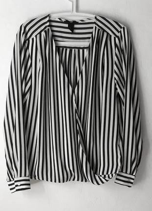 Стильная шифоновая блуза с эффектом запаха