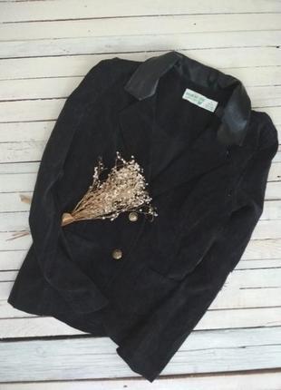 Стильный пиджак с элементами кожзама в идеале