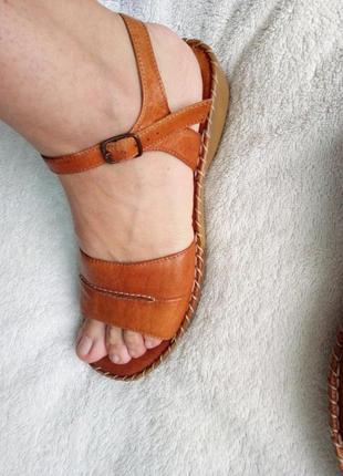 Кожаные коричневые босоножки сандалии натур кожа танкетка платформа от george
