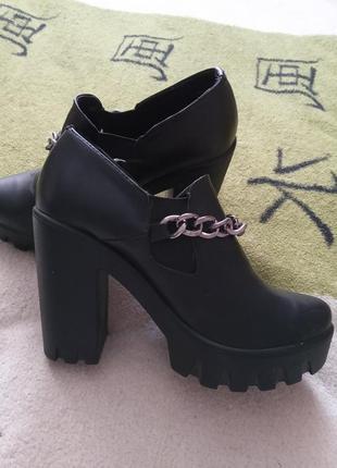 Туфлі ботінки шкіряні 37 розмір