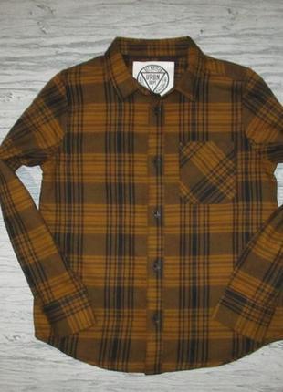 Тепленькая горчичная рубашка в клетку фирмы маталан на 7 лет