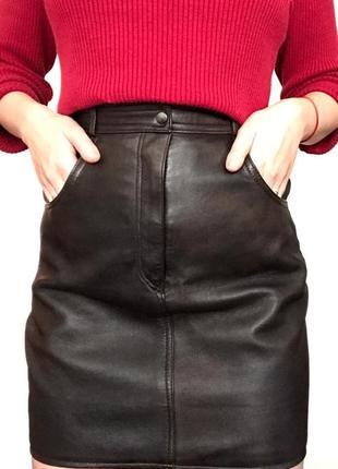 Трендовая, стильная, винтажная кожаная юбка.