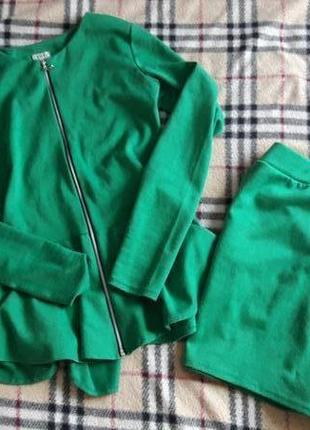 Костюм с юбкою кофта баска s-ка
