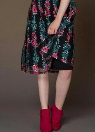 Эксклюзивная фатиновая юбка с вышивкой tu