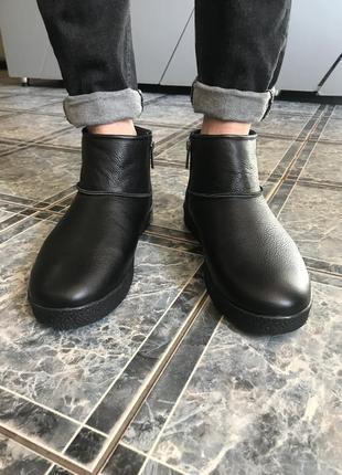 Шикарные кожаные угги зимние с мехом черные