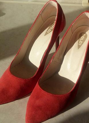 Стильные туфли soldi лодочки 39р.