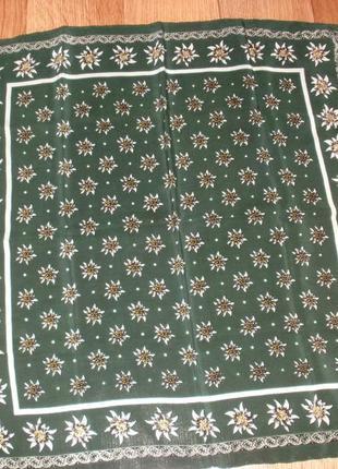 Небольшой шелковый платок 100% шелк /50*52 см