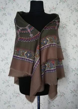 Шаль, платок, італія
