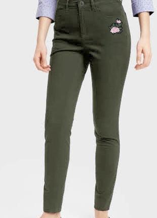 Женские джинсы скинни с апликацией ostin