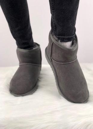 Шикарные женские замшеые зимние низкие угги/ сапоги ugg classic mini 2 😍 (с мехом)