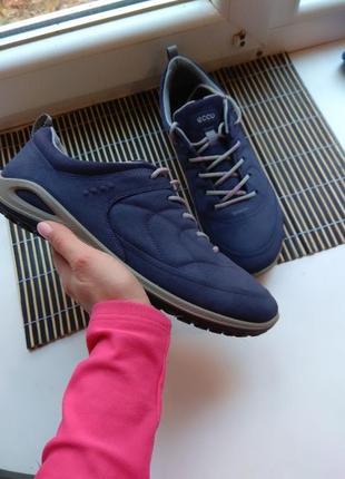 Продам фирменные оригинальные кожаные кроссовки ecco biom кожа яка