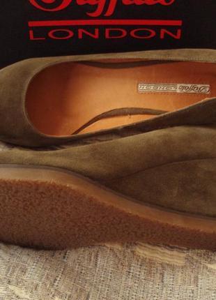 Новые туфли натуральная замша 25,5