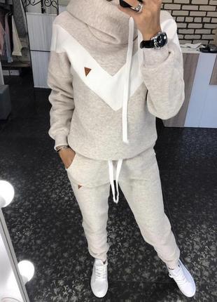 Женский зимний теплый  спортивный костюм на флисе с полосами