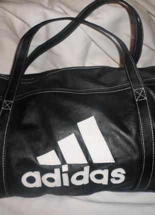 Спортивная кожанная сумка