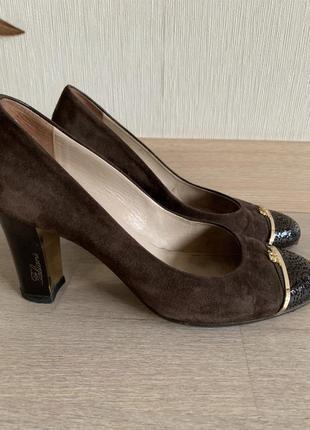 Брендовые замшевые туфли. италия