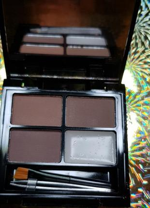 Тени для бровей makeup revolution focus & fix brow kit