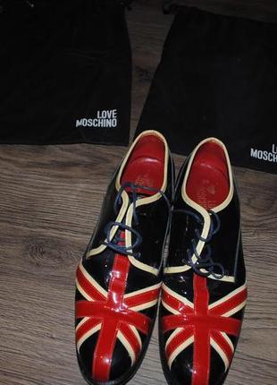 Оригинальные туфли оксфорды union jack moschino