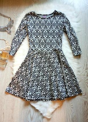 Теплое платье с пышной юбкой солнце клеш черное белое длинный рукав принт рисунок