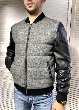 Бомбер с кожаными рукавами куртка мужская стёганная
