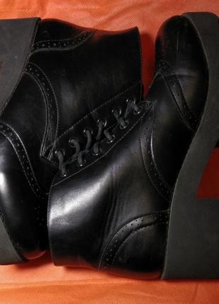 Кожаные ботинки на грубой платформе  wone