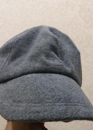 Теплая кепка с ушками-бренд- тсм