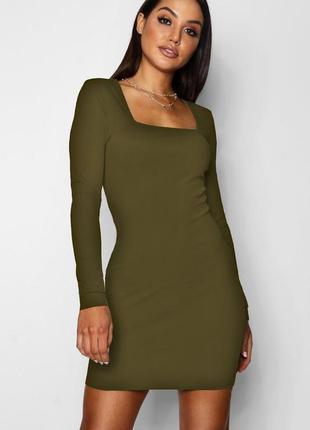 Boohoo.товар из англии. платье футляр с квадратным вырезом области декольте.