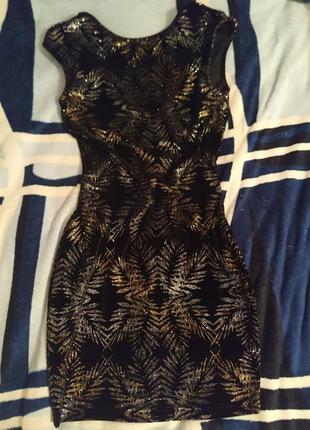 Супер платье. черное велюровое. золото. 42-s.