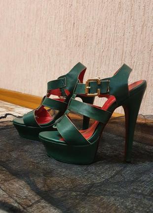 Босоножки, высокий каблук, зелёные(бутылочный)