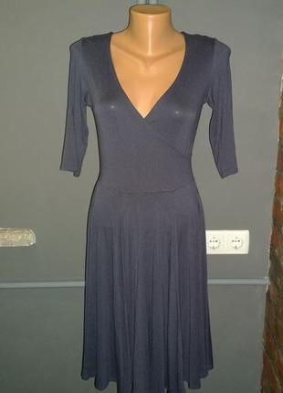 Платье с лифом запах и расклешенной юбкой dorothy perkins