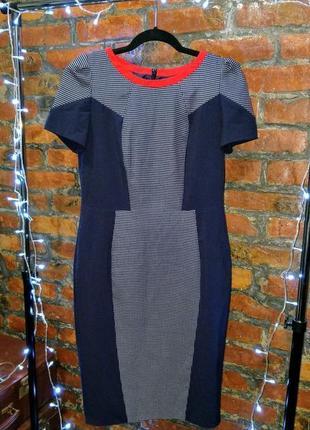 Офисное платье футляр моделирующее фигуру из костюмной ткани marks & spencer