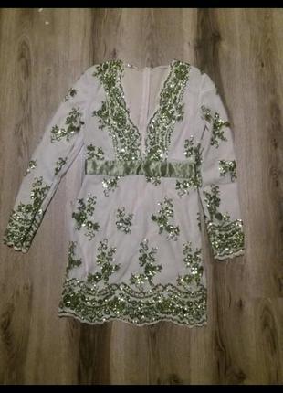 Платье зеленое в пайетки