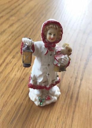 Статуэтка девочка с фонариком