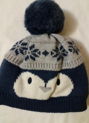 Теплая, качественная шапка на ребенка. новая.  george.